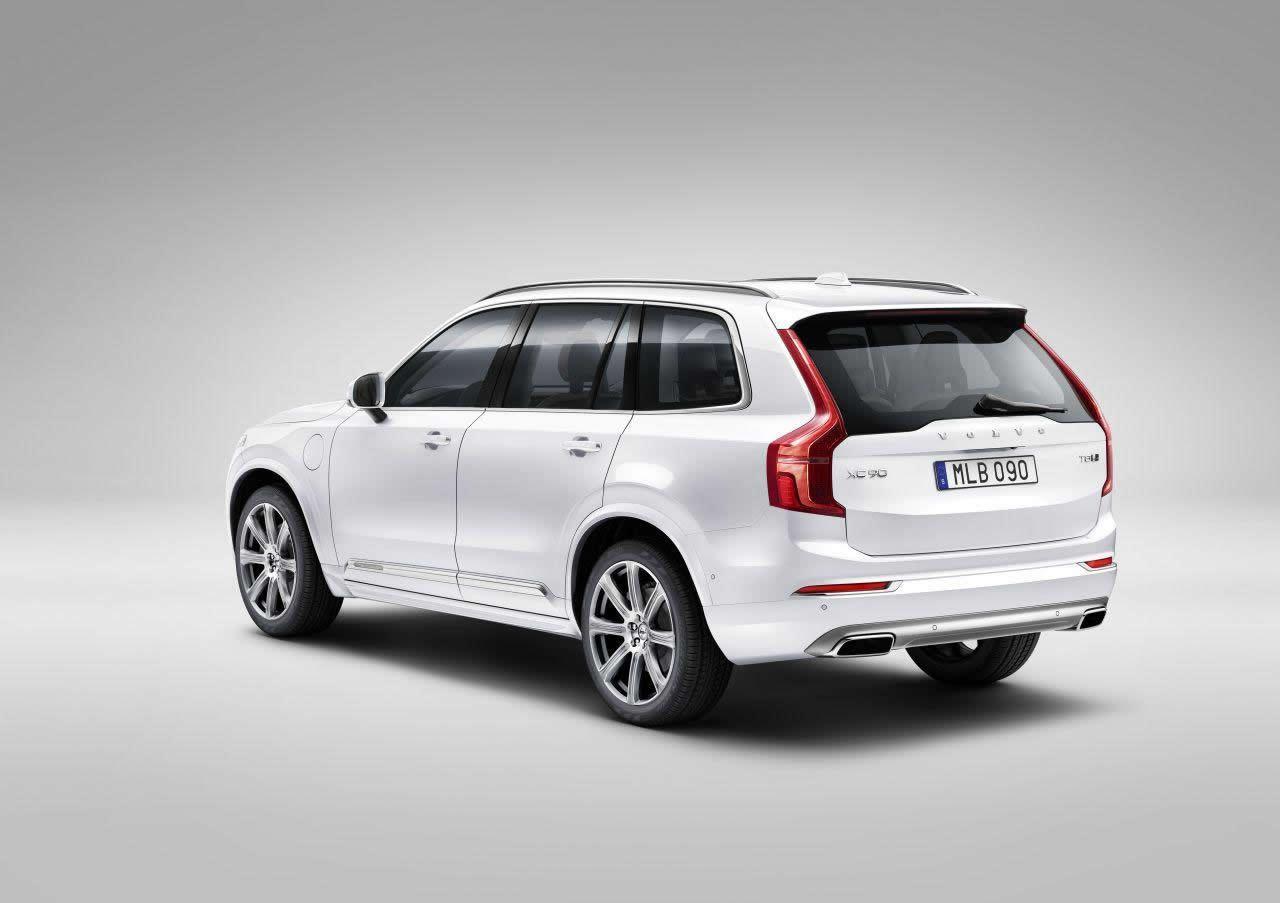 Volvo-XC90-2015-2.jpg