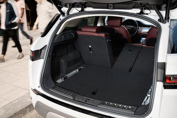 Багажник увеличился на 10% (591 л) и стал шире – в него помещается сложенная детская коляска или набор клюшек для гольфа. Второй ряд сидений складывается в пропорциях 40:20:40, максимальный объем багажника - 1383 л