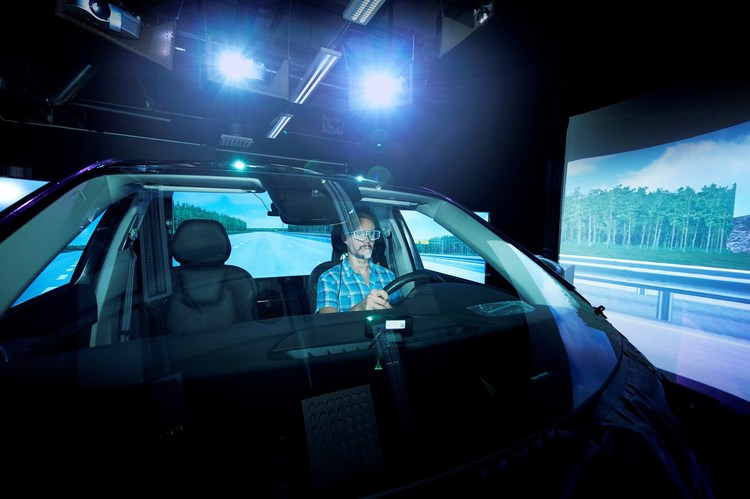 212177_XC40_teaser_Volvo_Cars_User_Experience_Lab.jpg