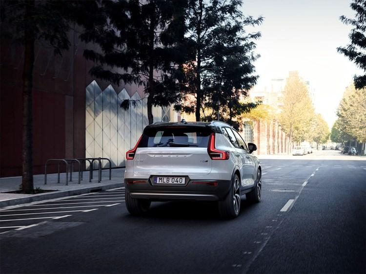 213091_New_Volvo_XC40_exterior.jpg
