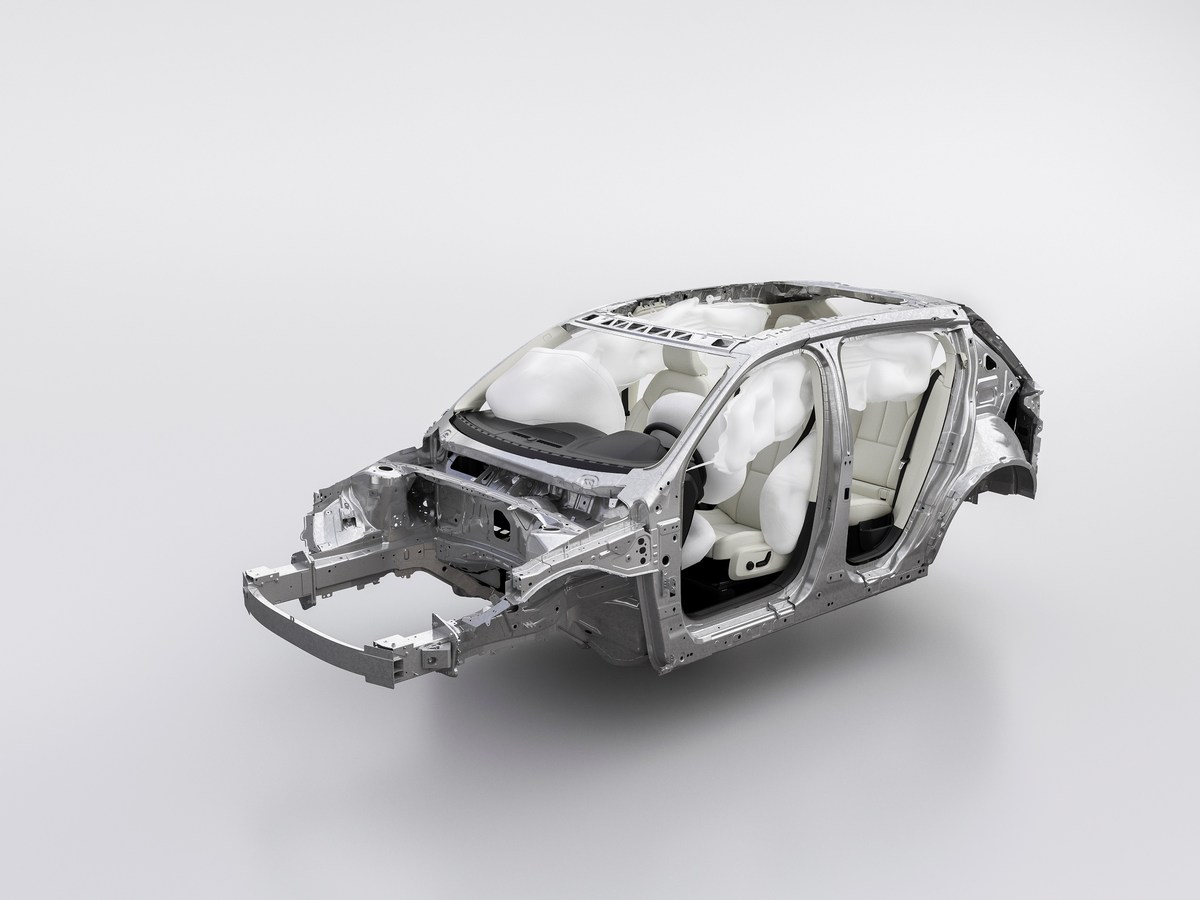 213033_New_Volvo_XC40_Airbags.jpg
