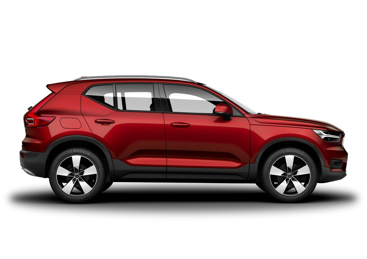 213070_New_Volvo_XC40_exterior.jpg