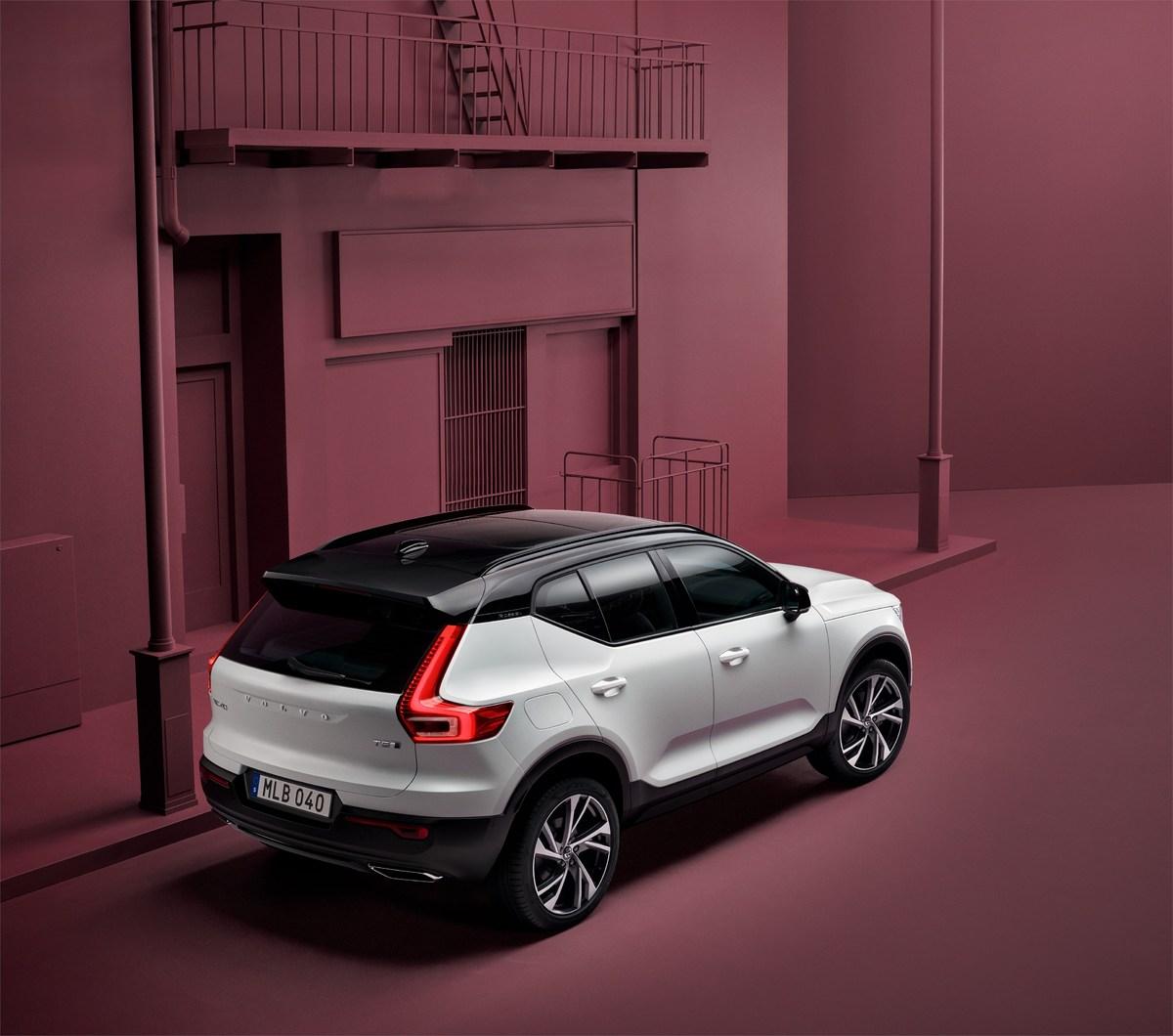 213132_New_Volvo_XC40_exterior.jpg