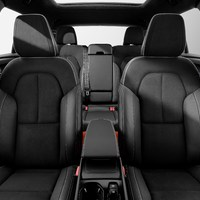 213045_New_Volvo_XC40_interior.jpg