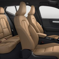 213046_New_Volvo_XC40_interior.jpg