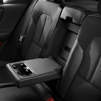 213050_New_Volvo_XC40_interior.jpg