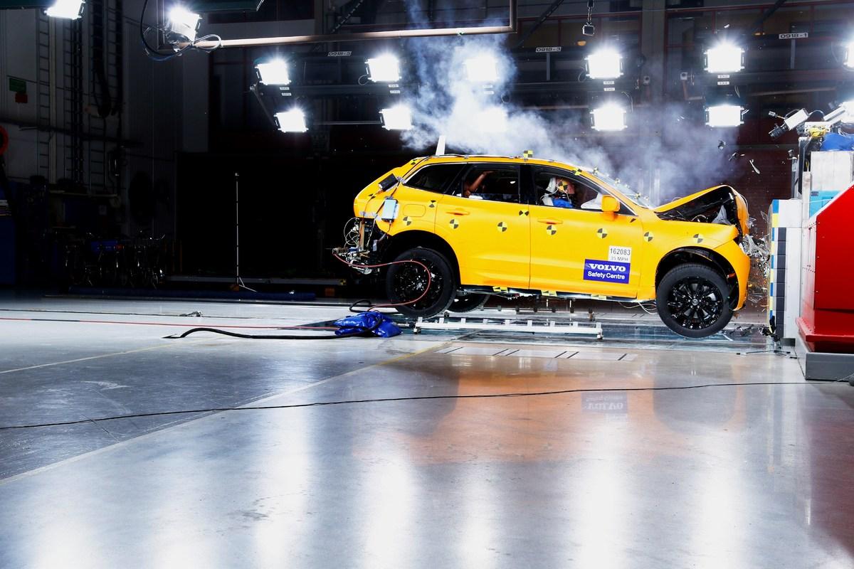 205039_The_new_Volvo_XC60_Crash_tests.jpg