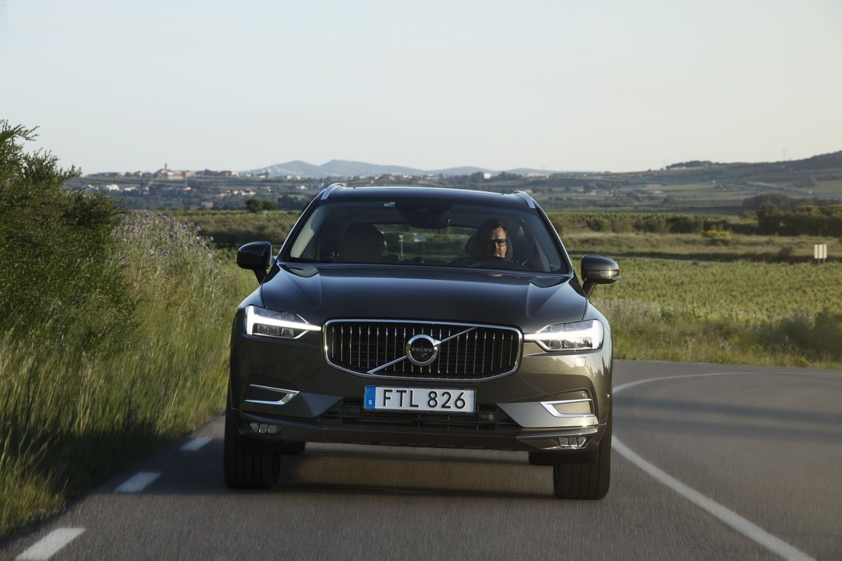 208144_The_new_Volvo_XC60_D5.jpg