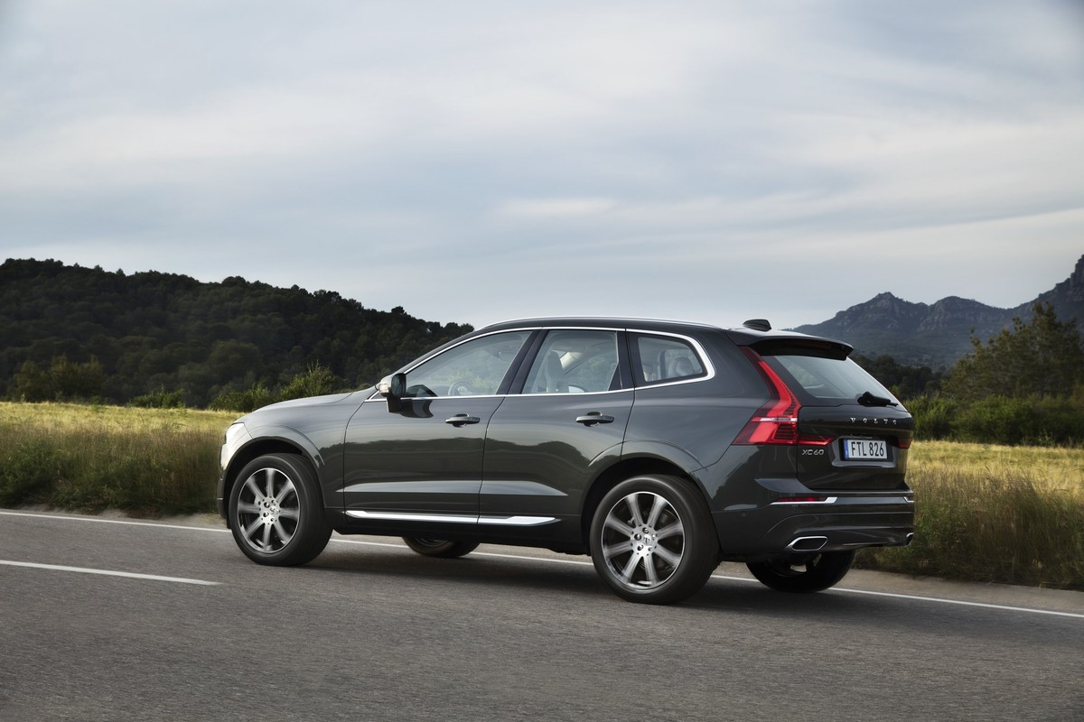 208148_The_new_Volvo_XC60_D5.jpg