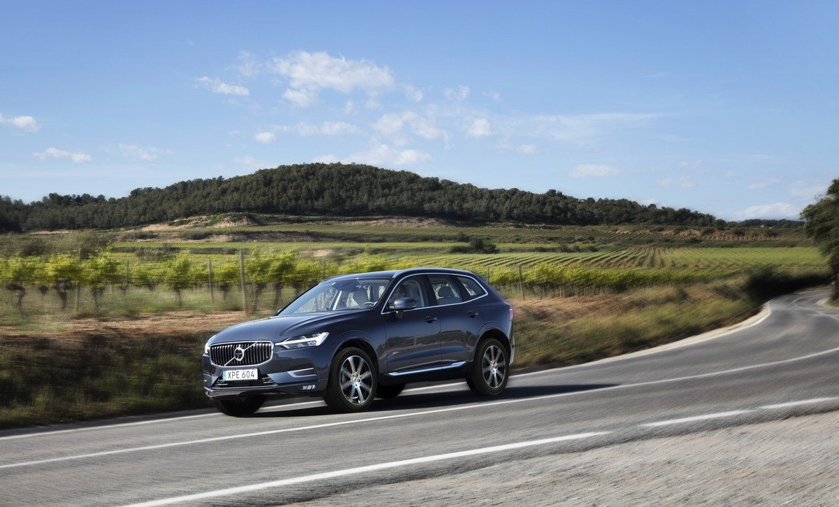 208153_The_new_Volvo_XC60_T6.jpg
