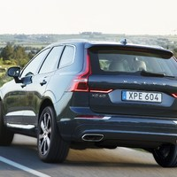 208156_The_new_Volvo_XC60_T6.jpg
