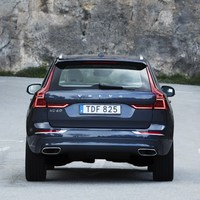 208166_The_new_Volvo_XC60_T6.jpg