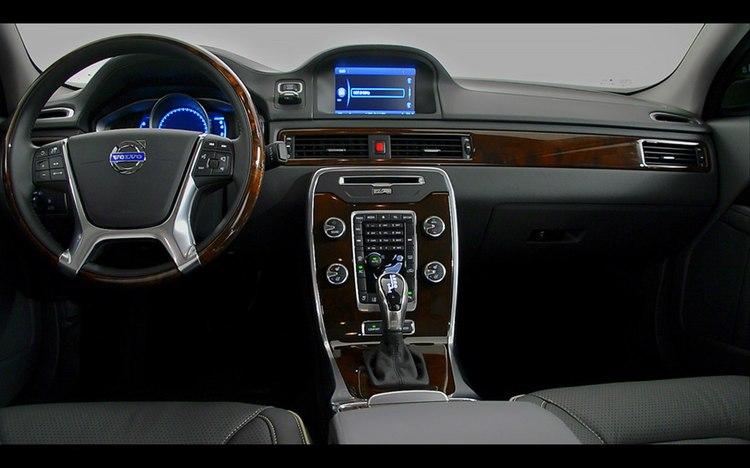 Volvo-XC60-2014-widescreen-8.jpg