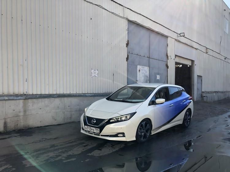Nissan Leaf - YD.jpg
